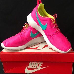 New Nike Women's Roshe Run Shoes